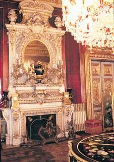 Dolmabahçe Sarayı | İstanbul – Tarihi ve Turistik Yerleri
